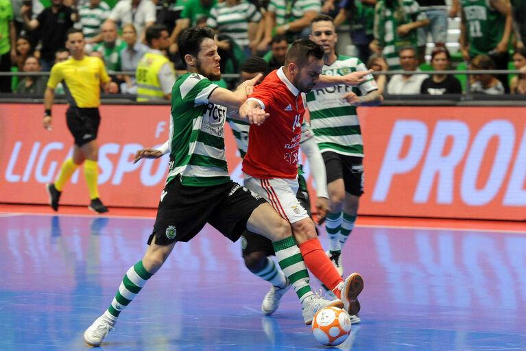 Elemento da equipa de arbitragem do Sporting-Benfica foi agredido aed1653fb819f
