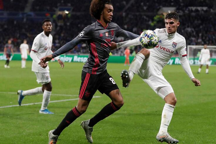 Tomás Tavares, de 18 anos, foi o jogador mais jovem do Benfica frente ao Lyon