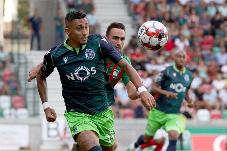 Rennes fez uma abordagem ao Sporting por Raphinha.
