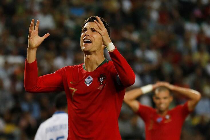 Cristiano Ronaldo marcou o segundo golo de Portugal no jogo com Luxemburgo.