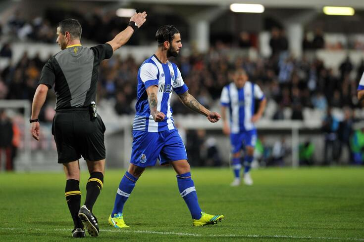 Sérgio Oliveira recorda o primeiro golo pelo FC Porto