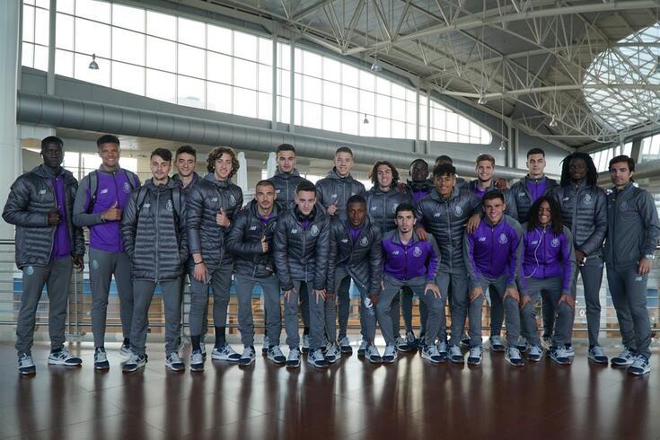 Equipa de sub-19 do FC Porto partiu esta quinta-feira para a Suíça