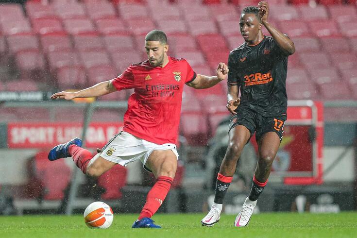 Taarabt, médio do Benfica