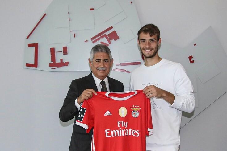 Ferro prolonga contrato com o Benfica