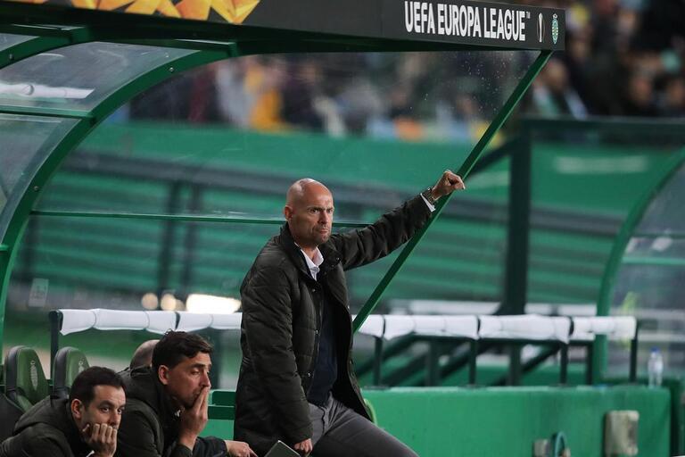 58a1ad22b3 Premium Marcel Keizer na corda bamba depois do estado de graça no Sporting
