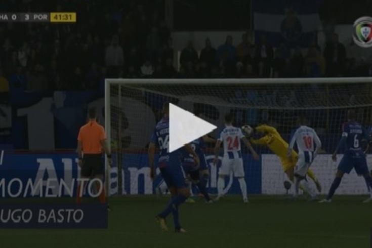 Chaves-FC Porto: a grande defesa de Diogo Costa