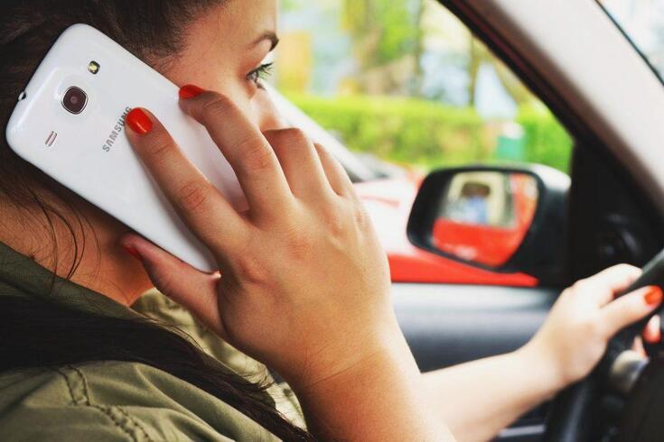 PSP e GNR vão apertar fiscalização à utilização do smartphone ao volante