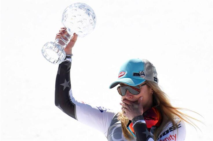 Mikaela Shiffrin conquista globo de cristal de slalom gigante