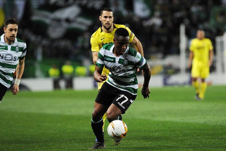 Ainda o Batuque FC: os jogadores no protocolo e nada de Jovane