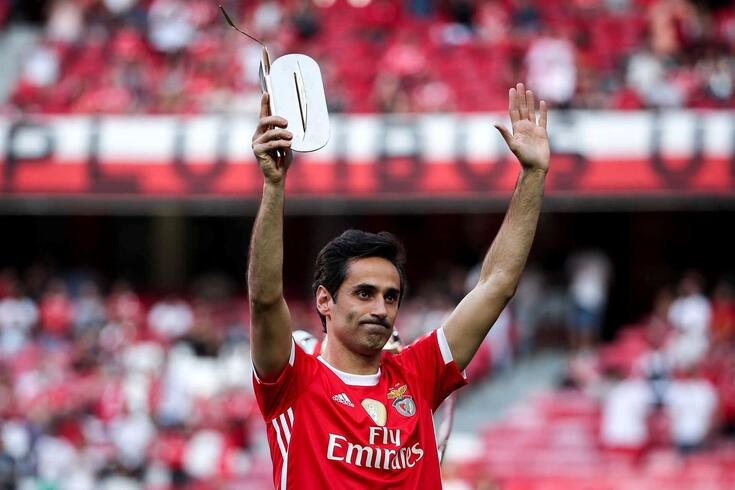 Jonas despediu-se na Luz dos adeptos do Benfica