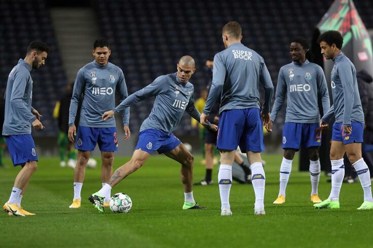 Pepe esteve no relvado com os não titulares do FC Porto contra o Tondela