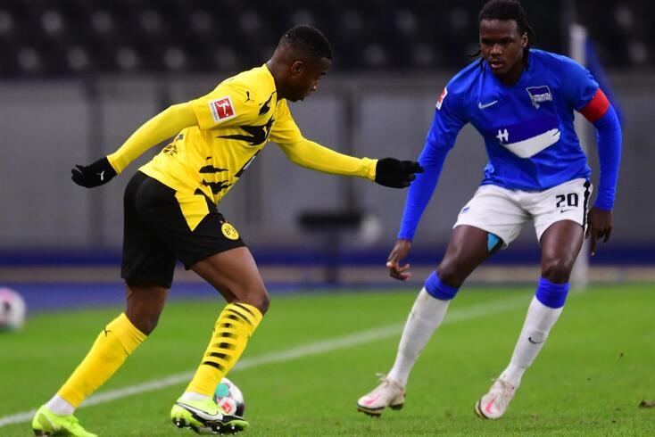 Youssoufa Moukoko estreou-se pelo Dortmund aos 16 anos