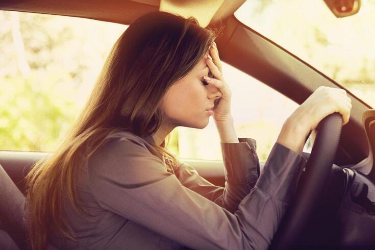 Qual é a causa do desgaste nos condutores profissionais?