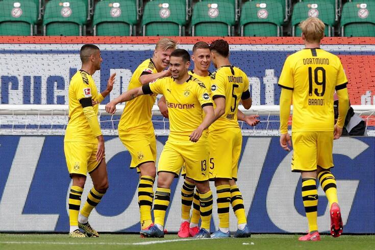 O Dortmund foi uma das equipas forasteiras a triunfar e com Raphael Guerreiro (n.º 13) a marcar