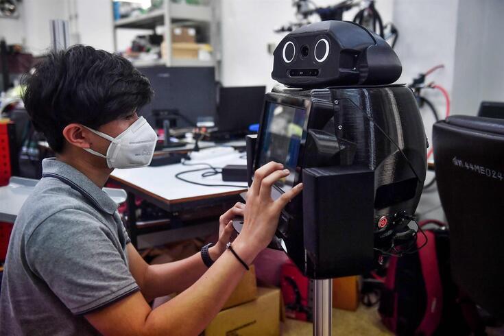 Uma análise sobre a robótica em tempos de luta contra uma pandemia