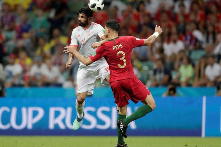 """""""Está bom, Gianluca continua"""". FIFA explica o lance entre Pepe e Diego Costa"""
