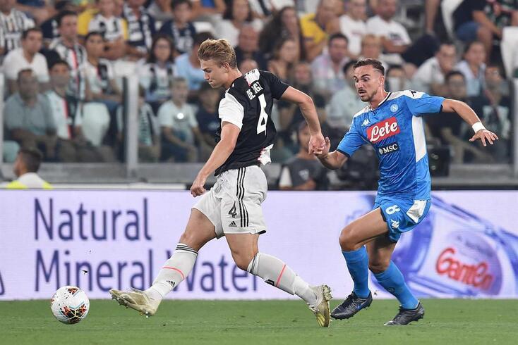 De Ligt estreou-se pela Juventus diante do Nápoles