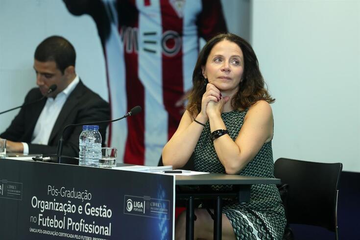 A MULHER DA SEMANA - Maria de Fátima Ribeiro: a especialista que inspira o futebol profissional