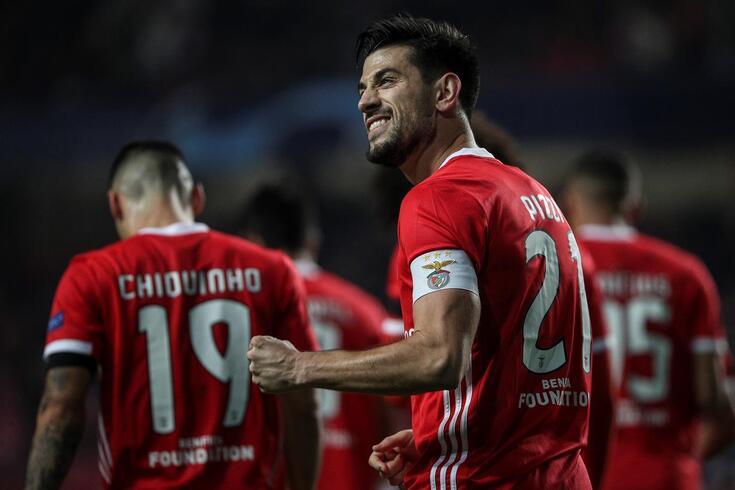 Pizzi marcou e ajudou o Benfica a seguir para a Liga Europa