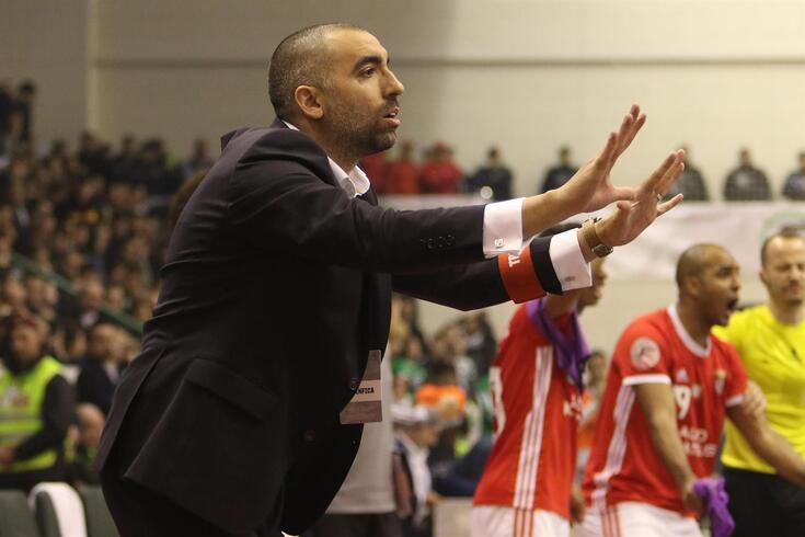 Joel Rocha soma 206 vitórias em 264 jogos ao comando do Benfica