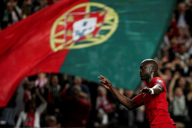 Danilo estreou-se a marcar pela seleção em jogos oficiais: foi um golaço
