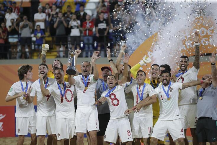 António Costa felicita campeões mundiais e Ferro Rodrigues  propõe voto de saudação
