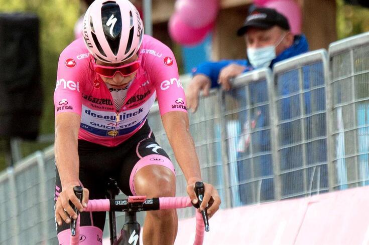 João Almeida perdeu a camisola rosa no Giro