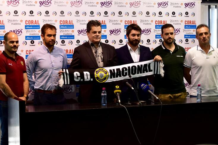 Luís Freire foi apresentado como treinador do Nacional.