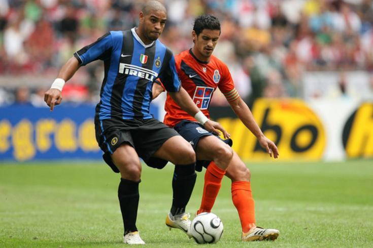 Adriano, avançado do Inter, em ação diante do FC Porto, em 2006
