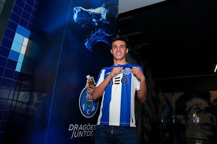 Rodrigo Valente fica ligado ao FC Porto até 2022