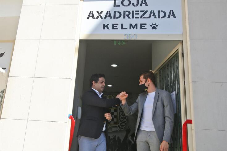 Vítor Murta inaugurou a loja axadrezada
