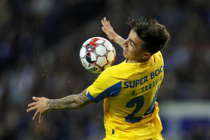 Pouco utilizado no FC Porto, Saravia está na lista do Racing