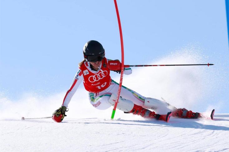 Esqui: Vanina Guerillot lesiona-se e não acaba slalom gigante em Lausana