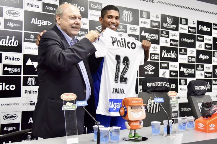 Raniel apresentado no Santos