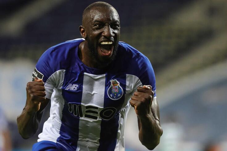 Marega marcou o segundo golo do FC Porto frente ao Sporting, com um toque de classe