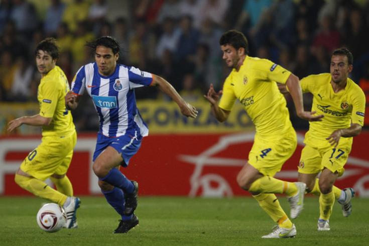 Falcao ao serviço do FC Porto, frente ao Villarreal