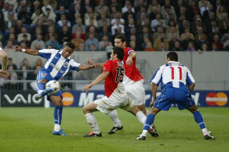 Carlos Alberto no momento em que rematou para o primeiro golo da final de Gelsenkirchen