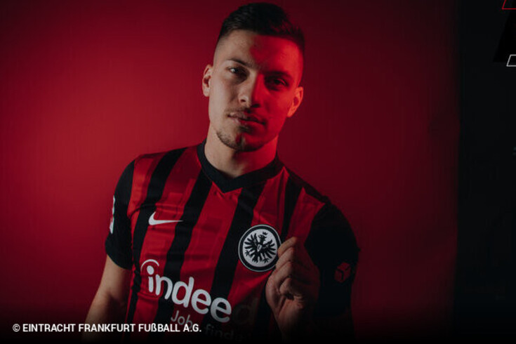 Luka Jovic está de regresso ao Eintracht