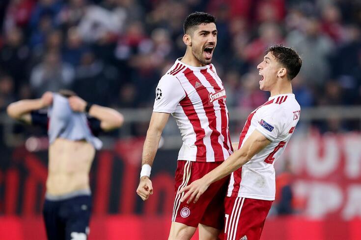 Olympiacos venceu o Estrela Vermelha e segue para a Liga Europa