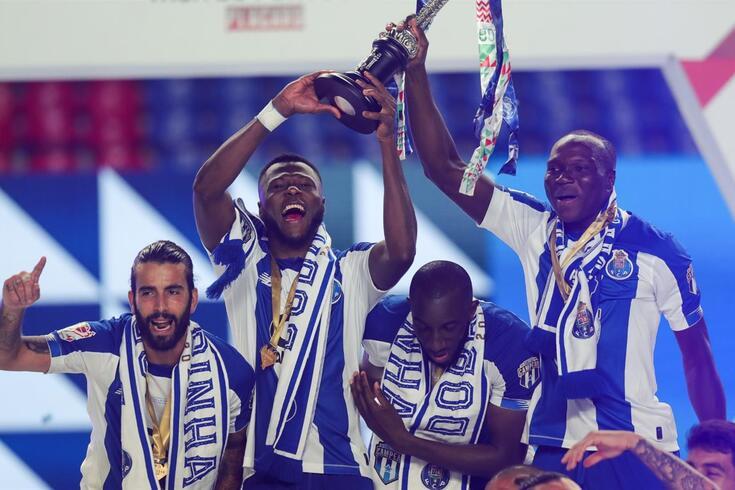 Mbemba terminou a época como herói do FC Porto