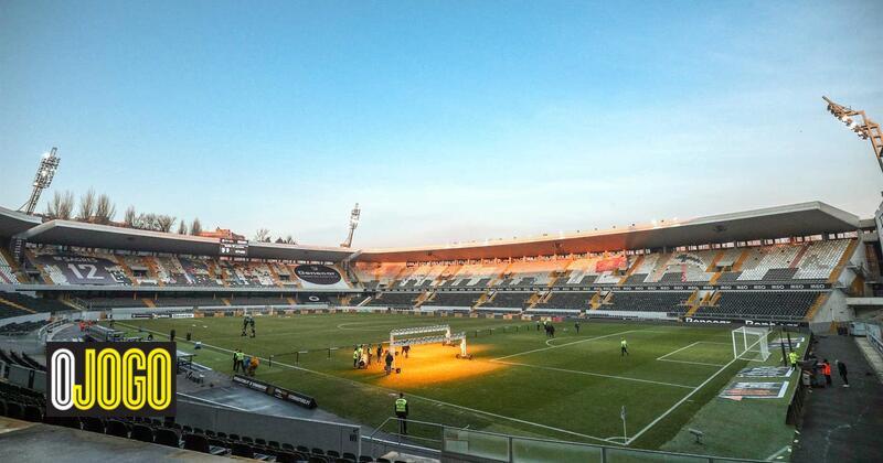 Photo of V. Guimarães-Farense volta a ser adiado devido a gelo no relvado | O Jogo