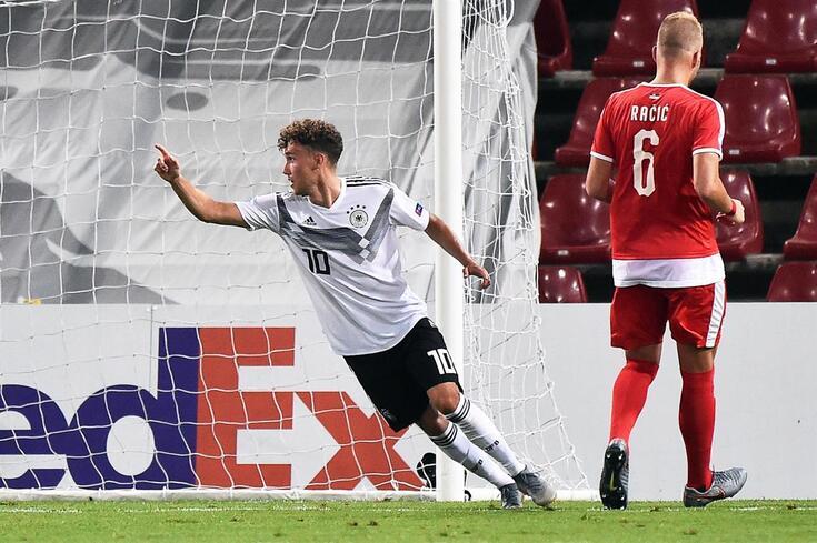 Luca Waldschmidt tem 24 anos, é canhoto e fez oito golos na última temporada, ao servilo do Friburgo