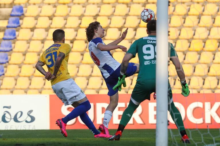 Fabio Silva Titular E Erros Individuais No Empate Entre Fc Porto B