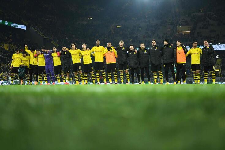 Dortmund recebeu e goleou o Frankfurt