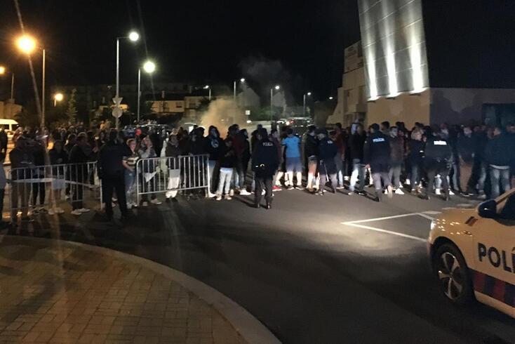 Adeptos protestam no regresso do Chaves após a despromoção