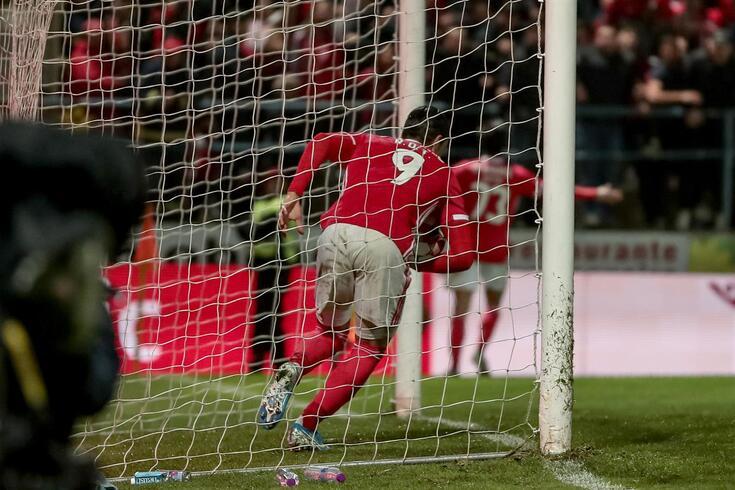 Raúl de Tomás marcou o primeiro golo do Benfica