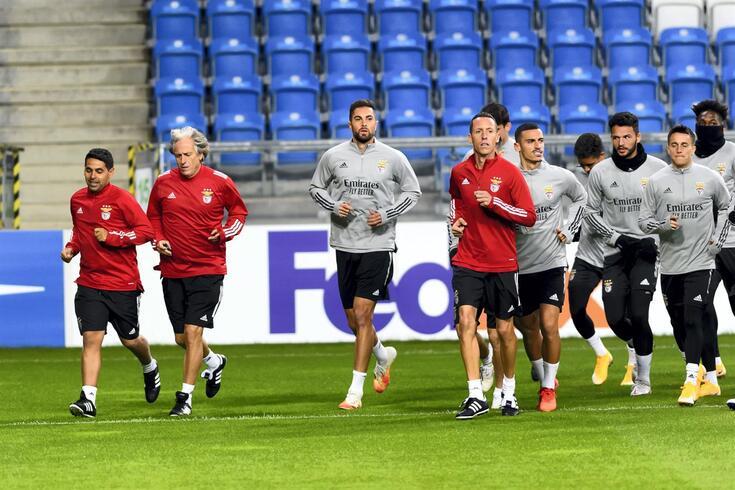 Benfica joga na Polónia