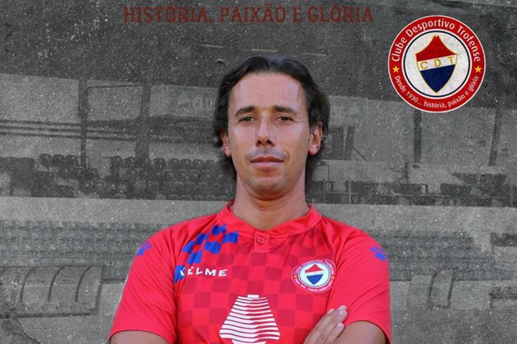 Hélder Sousa de nova com a camisola do clube da Trofa