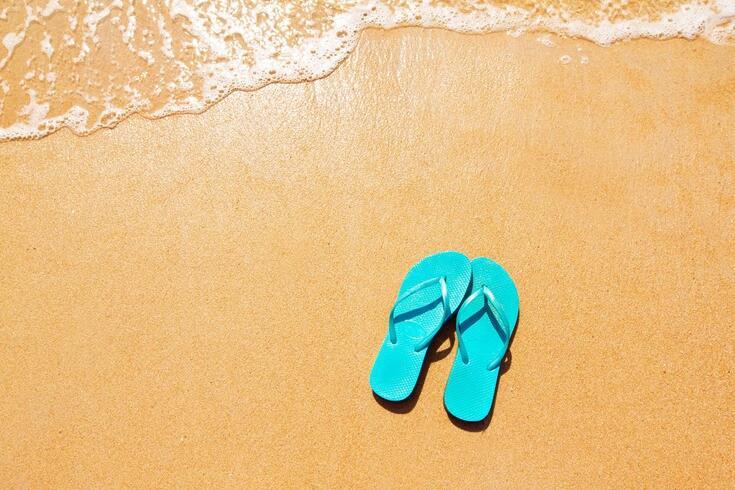 Os chinelos protegem (mesmo) do pé de atleta?