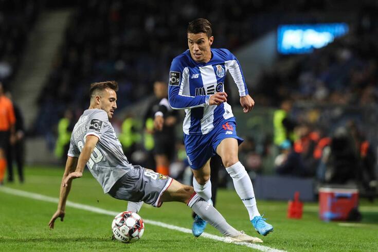 Uribe volta a ser titular no FC Porto